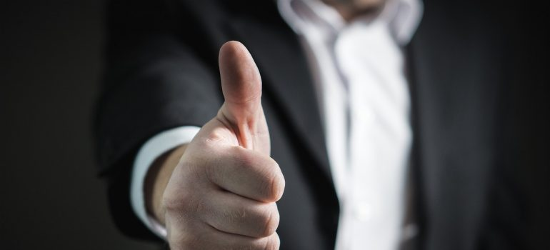 thumbs up for Redmond self storage units